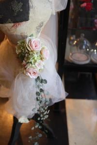 2017.6.14 ウェディングドレスのウエストコサージュと花嫁さま(&花冠とブーケ) - Ro:zic die  floristin