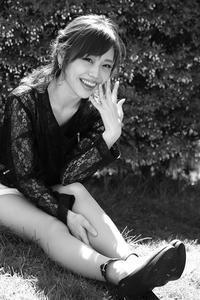 舞浜波南ちゃん13 - モノクロポートレート写真館