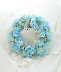 6月の奥様のお誕生日に 青いリース - 一会 ウエディングの花