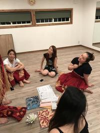 スタジオマハナ♪高崎市 フラダンス☆タヒチアンダンス  ☆衣装を考え中☆ - Hula & Tahitian Dance