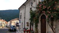 アブルッツォ滝・古城経て山から海へ - ペルージャ発 なおこの絵日記 - Fotoblog da Perugia