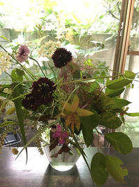 梅雨の花をいけてきました - Groseille グロゼイユ~四季のお庭とぼちぼちお花活動~