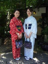 対照的なお着物、帯はお太鼓結びに。 - 京都嵐山 着物レンタル&着付け「遊月」