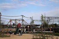藤田八束の鉄道写真@大自然の中を走る列車、都会でも見れる素敵な鉄道写真・・西宮神祇官西公園にて - 藤田八束の日記