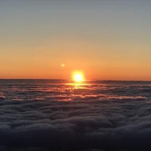 見事な雲海! - 氷ノ山登山ガイド則さんの日記