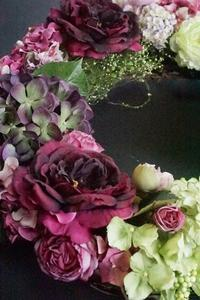 アーティフィシャルフラワー大作はランチを挟んで1日がかり(^_-)-☆ - お花に囲まれて