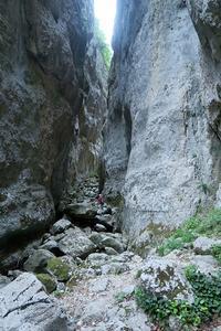 岩落ち歯欠ける試練のとき、アブルッツォ チェラーノ渓谷 - ペルージャ発 なおこの絵日記 - Fotoblog da Perugia
