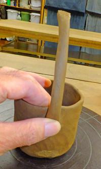 カップにハンドル 6月21日(水) - しんちゃんの七輪陶芸、12年の日常