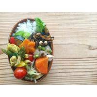 アスパラとズッキーニの卵炒めBENTO - Feeling Cuisine.com