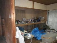 これがシロアリ被害:押入れ下をめくってみたら! - 名古屋市の不動産情報をお届けします。大丸屋不動産