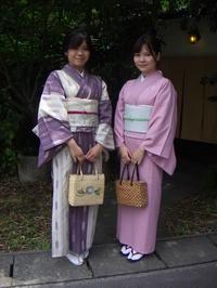 落ちついたお着物に、お太鼓とリボンの帯。 - 京都嵐山 着物レンタル&着付け「遊月」