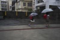 沖縄の旅11(6cut) 雨の日 -     ~風に乗って~    Present