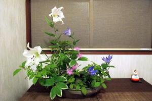 6月のイケバナ花菖蒲 - リリ子の一坪ガーデン