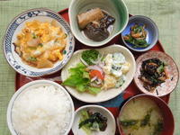 チキンカツの玉子とじ★(^^♪・・・・・700円ランチ - 日だまりカフェ