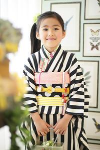 7才女の子用ストライプの着物 - それいゆのおしゃれ着物レンタル