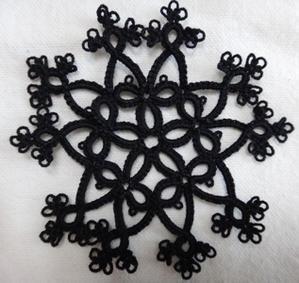 モックリングモチーフ×黒糸 - kukka tatting