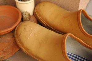 今しか履けない雨靴を買った - カリノ トウコ
