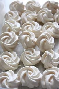 出し忘れたメレンゲクッキー - Rose ancient 神戸焼き菓子ギャラリー