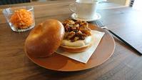 ベーグルサンドで朝食。 - 奈良県パン教室『パンといろいろ…。』