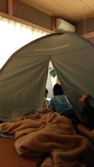 子どものお泊まり会にオススメ!リビングキャンプ - 自然とひと・子どもと大人をつなぐアソビビト/森のようちえん代表&有機農家 石井千穂のブログ@広島