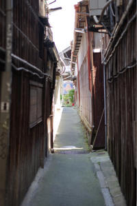路地の突きあたり - ホンテ島 日記