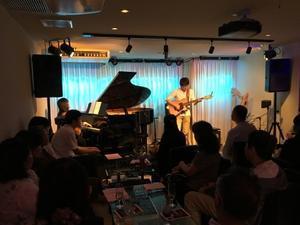 Jazzlive Comin     広島  薬研堀のJazz BAR