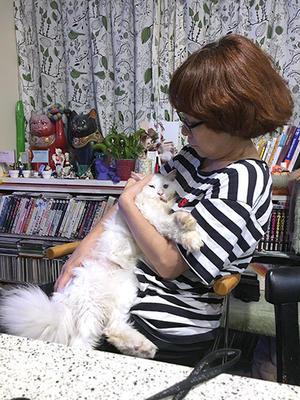 あいかわらずの甘ったれ - ぶつぶつ独り言2(うちの猫ら2017)
