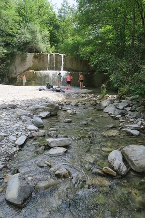 渓流とデスクトップ休眠と格闘マックブック、イタリア - イタリア写真草子 - Fotoblog da Perugia
