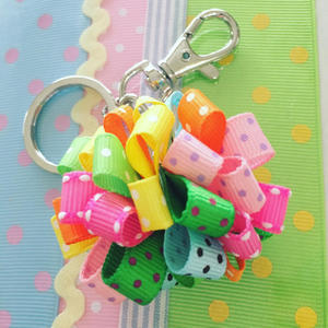 Loopy ponpon keychain* - Atelier Ribbon Style*Ribbon Lei Making*