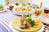 フレンチカジュアルなテーブルに -         川崎市のお料理教室 *おいしい table*        家庭で簡単おもてなし♪