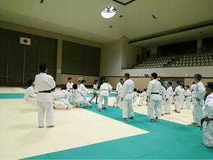 中学生との綱引き大会 - 善柔館公式ブログ
