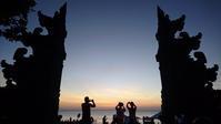 Jimbaran Beach で 通りすがりに夕陽を見るのだ! ('17年5月) - 道楽のススメ
