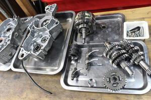YZ125エンジン分解。 - モトアサイン