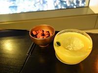 """東京・虎ノ門ヒルズ アンダーズ東京52階「ルーフトップバー」で夜景に酔いしれる (""""Rooftop Bar,"""" Andaz Tokyo, Toranomon Hills) - """"Life in 東京"""" 日英バイリンガルブログ"""