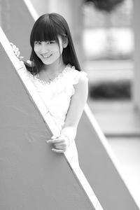 片瀬美月ちゃん36 - モノクロポートレート写真館