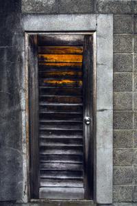 階段がある扉 - たなぼた