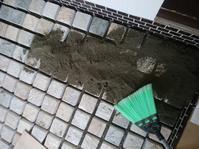 玄関にピンコロ石を敷く2 - 幸せが舞い降りる…サンタのリノベ