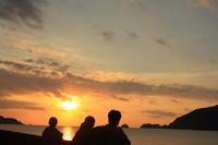 奄美大島に朝が来た。 - 青い海と空を追いかけて。