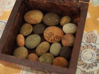 【海で拾った石】アンティークの箱 - azukki的.