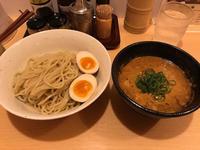 金沢(堀川町):ご当地ラーメン 巡(めぐる)「濃厚甘海老つけ麺」 - ふりむけばスカタン