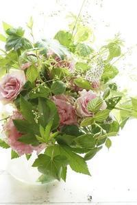 アイロニー花deシャンぺトル、エレガントに爽やかに - お花に囲まれて