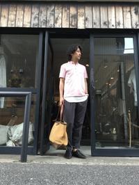 お仕事にも!この時期らしいカラーでのポロシャツスタイル。 - AUD-BLOG:メンズファッションブランド【Audience】を展開するアパレルメーカーのブログ