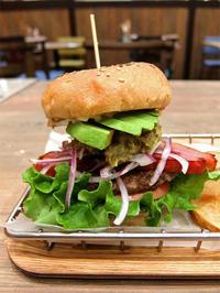 VILLAGE VANGUARD DINER長久手店 - avo-burgers ー アボバーガーズ ー