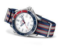 オメガ:海軍中佐ジェームズ・ボンドをイメージした限定シーマスター本日発売 - ブランド腕時計ガイド