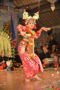 今年の阿佐ヶ谷バリ舞踊祭 見どころその2 - 戦場の旗手