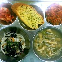 炭水化物祭りな給食&教育 - キューニーの食卓