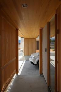 のびやかつづまやかのゲート状のポーチ - 安曇野建築日誌