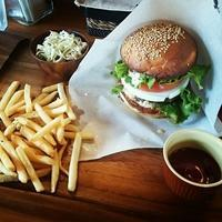 DELIGHT BURGER + 本日は通常営業 !! - DELIGHT CLOTHING&SUPPLY