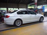 BMW 320d(F30)ブレーキランプ修理 - 掛川・中央自動車