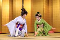 花の宴・六段くずし(祇園甲部 紗月さん、佳つ江さん) - 花景色-K.W.C. PhotoBlog